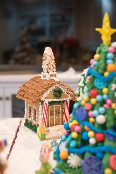 Gingerbread House-40.jpg
