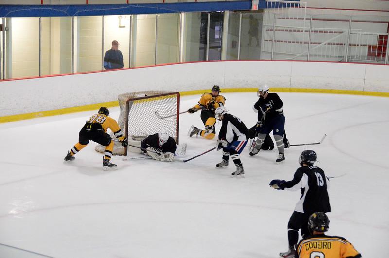 140913 Jr. Bruins vs. 495 Stars-196.JPG
