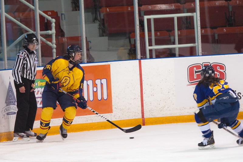 20130310 QWHockeyvsUBC 225.jpg