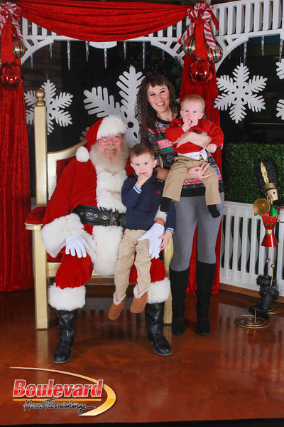 Santa 12-17-16-300.jpg
