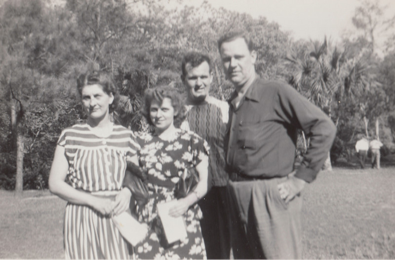 Orpha, Eileen, Ellis & Earl Sullivan - 1948.jpg
