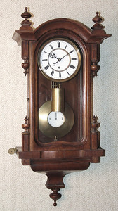 VR-364 Miniature Week-duration Vienna Regulator with Indicating Pendulum