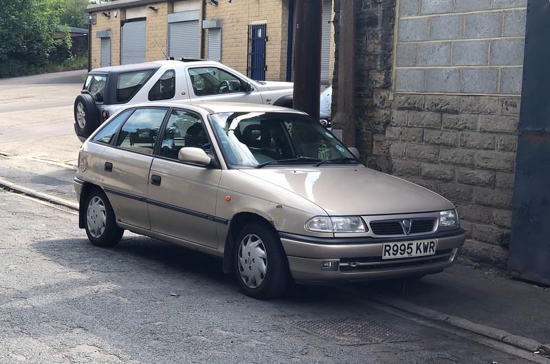 1997 Vauxhall Astra 1.6 'Arctic'