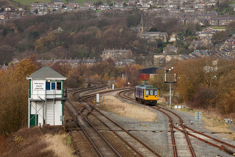 142 038 from New Mills Central in New Mills South Jct.