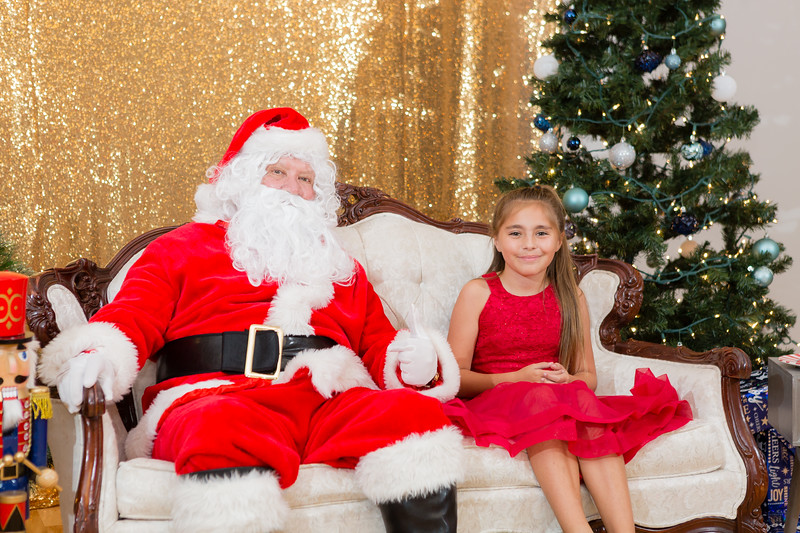 FADS Picture with Santa-280.jpg