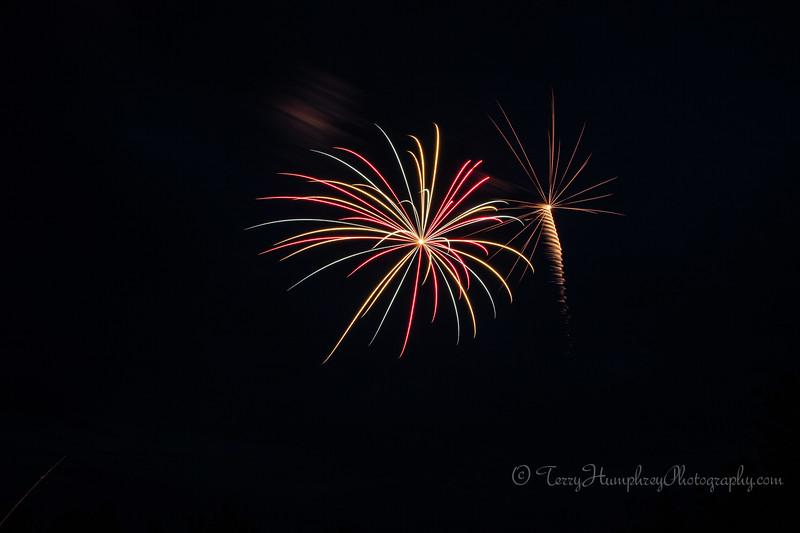 2019 Paradise Fireworks-26.jpg