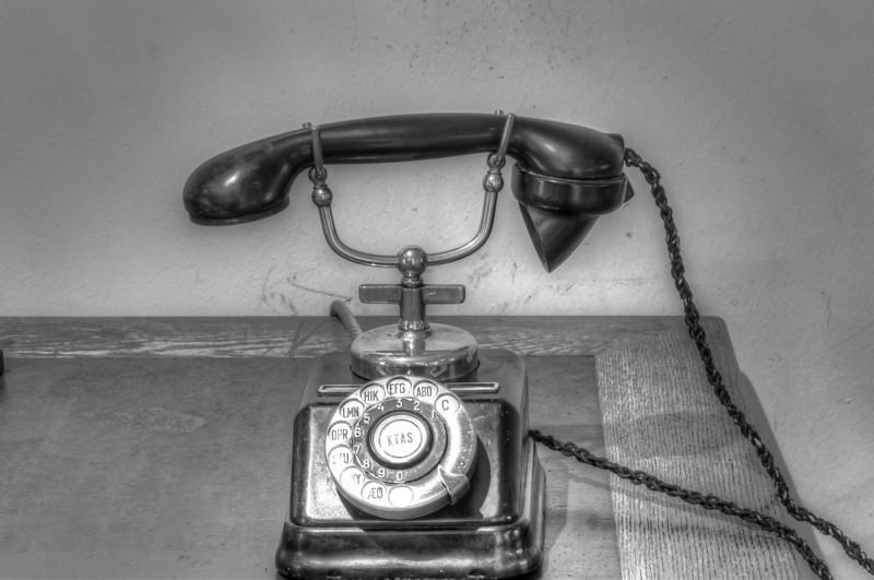 DSC_2983_4_5_6_7_tonemapped-Telefon.jpg