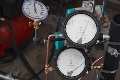 2014-10-08 DLM Testing pressure gauges