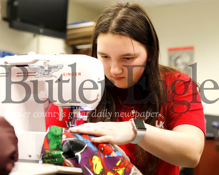 Seneca Valley sophomore Megan Messer sews a marsupial pouch for animals effected by Australian wildfires. Seb Foltz/Butler Eagle