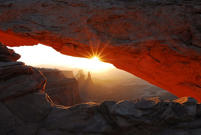 Mesa Arch in Canyon lands Utah