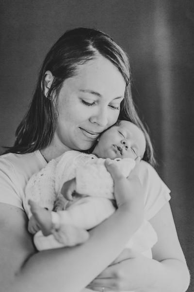 Z-BW_Newborn-Photography-Fremont-001 (43).jpg