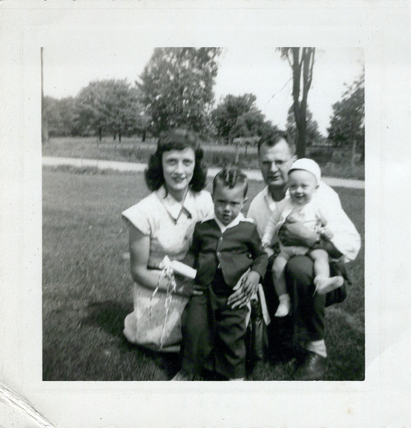 1952 Easter picture Viv, Butch Doc and Ken.jpeg