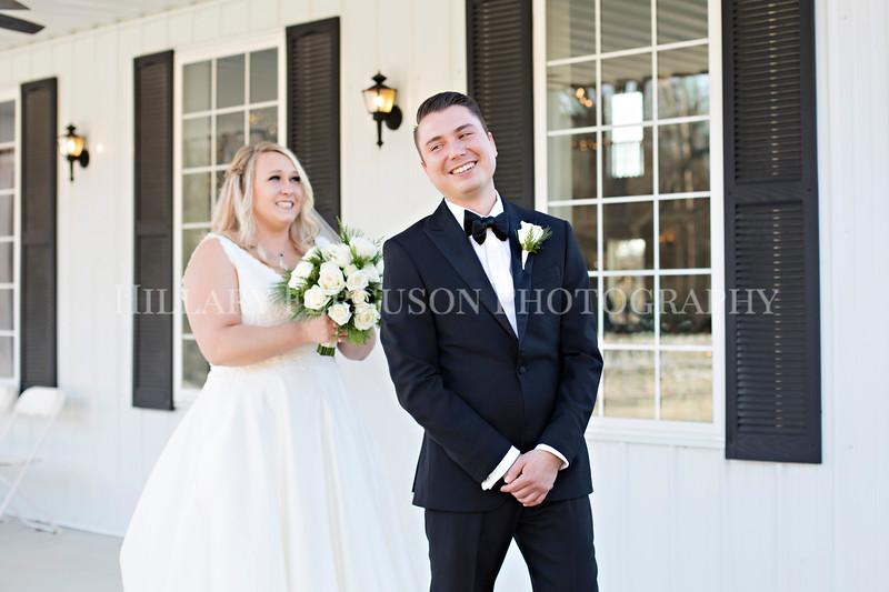 Hillary_Ferguson_Photography_Melinda+Derek_Getting_Ready366.jpg