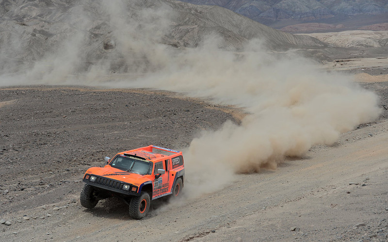 . Robby Gordon and co-driver Kellon Walch of team Hummer compete in stage 6 from Arica to Calama during the 2013 Dakar Rally on January 10, 2013 in Arica, Chile.  (Photo by Shaun Botterill/Getty Images)