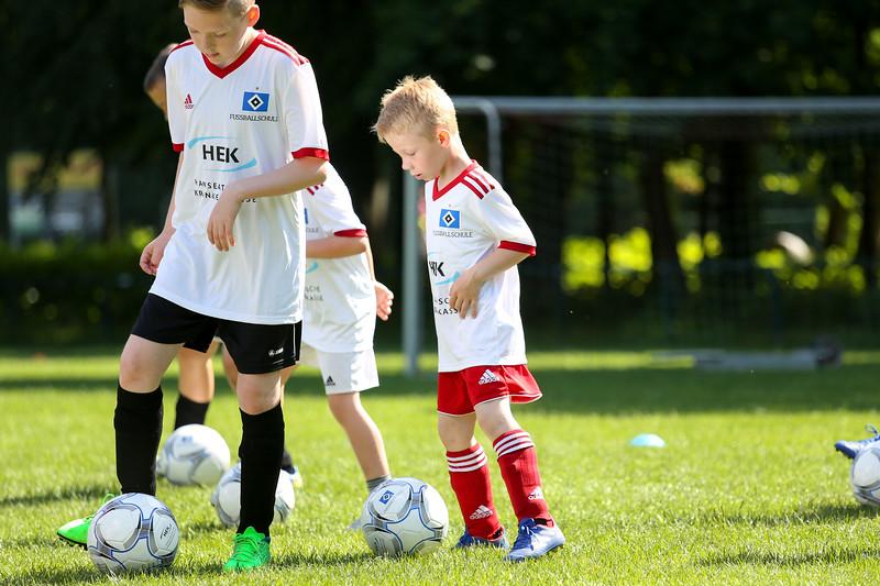 hsv_fussballschule-057_48048028982_o.jpg