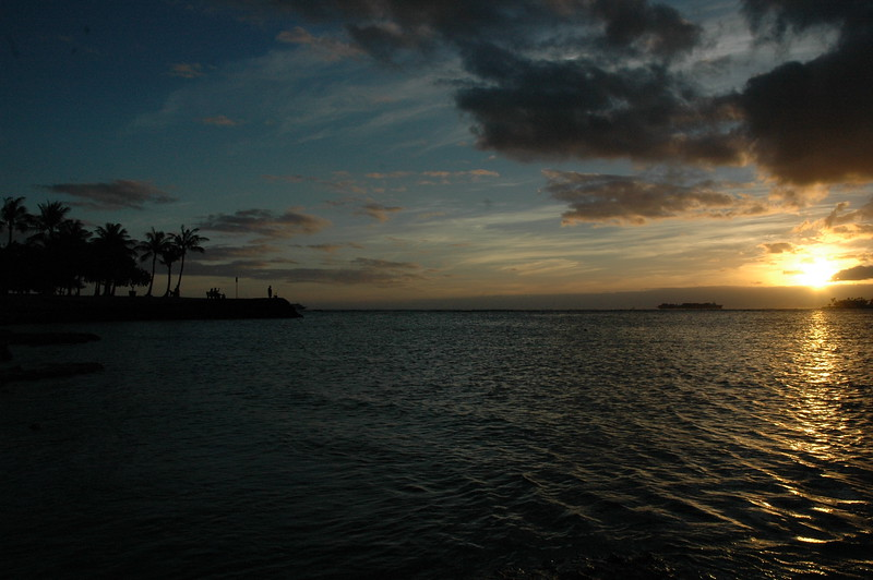 Hawaii - Ala Moana Beach Sunset-38.JPG