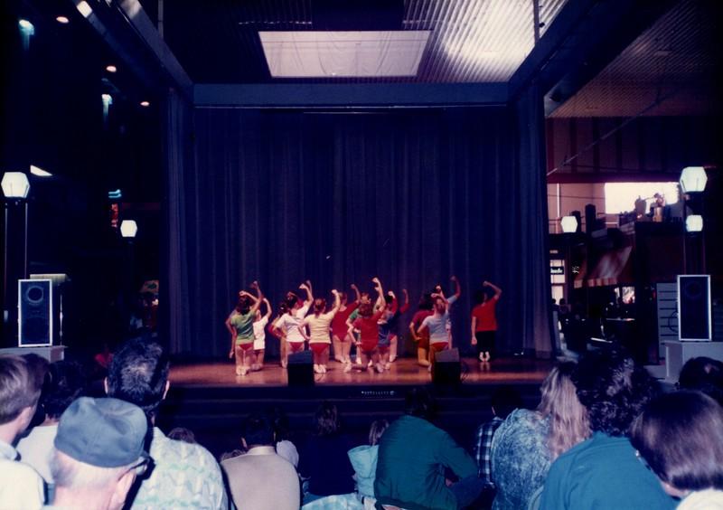Dance_0043_b.jpg