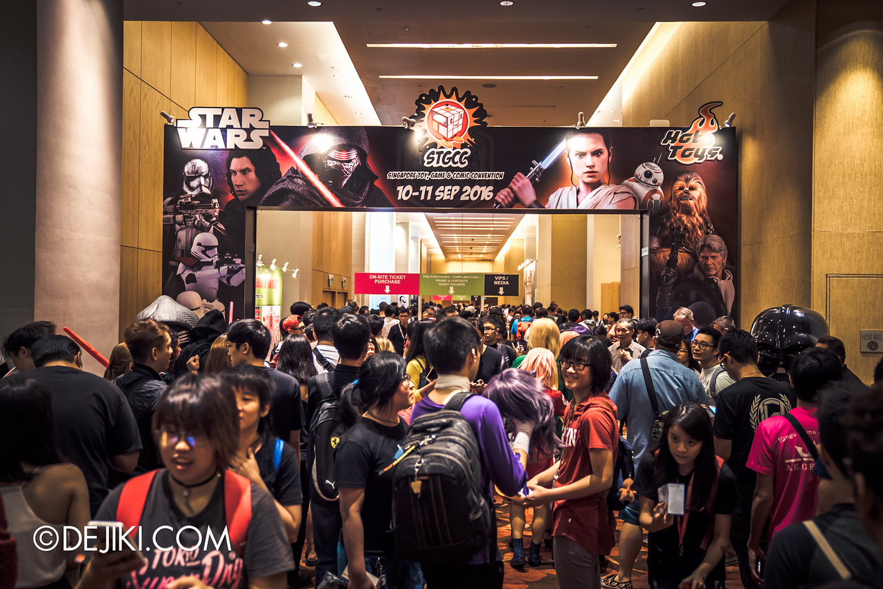 STGCC 2016 - Entrance crowds