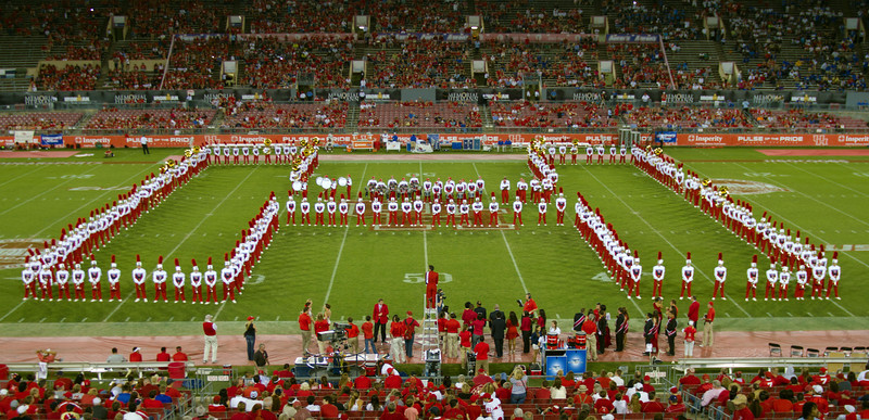 UH band in an H-formation