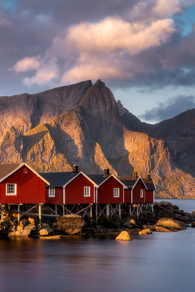 Hamnoy Rorbu red huts Reine sunrise lofoten landscape photography.jpg