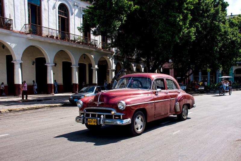 Cuba Havana transportation.jpg