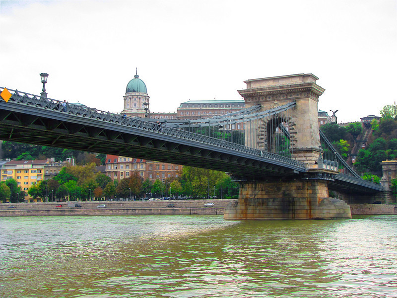 29-Chain Bridge. Suspension type; first permanent bridge across the Danube in Budapest (1849). Above: Hungarian National Gallery, Buda. Far right: funicular to Castle Hill (1870). Funicular shelled by Germans (1945); restored 1986.