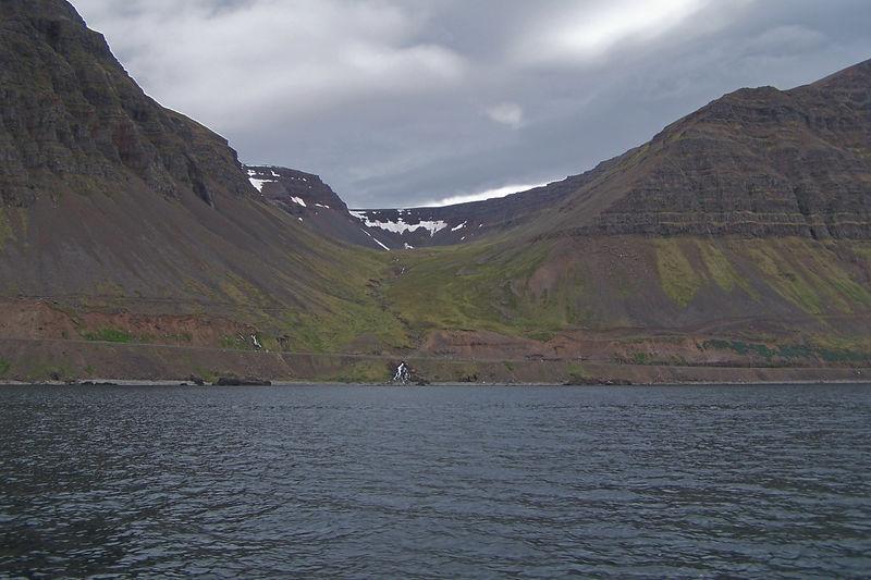 Óshlíð - tekið á leiðinni frá Ísafirði í Hornvík