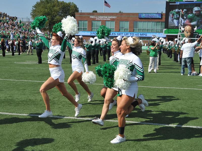 cheerleaders6211.jpg