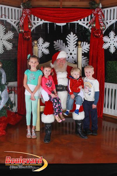 Santa 12-17-16-580.jpg