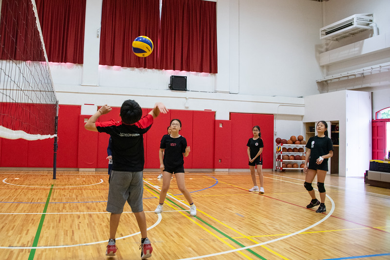 PE Leadership-Gr12 and Gr6 Volleyball Workshops-YIS_2633-2018-19.jpg