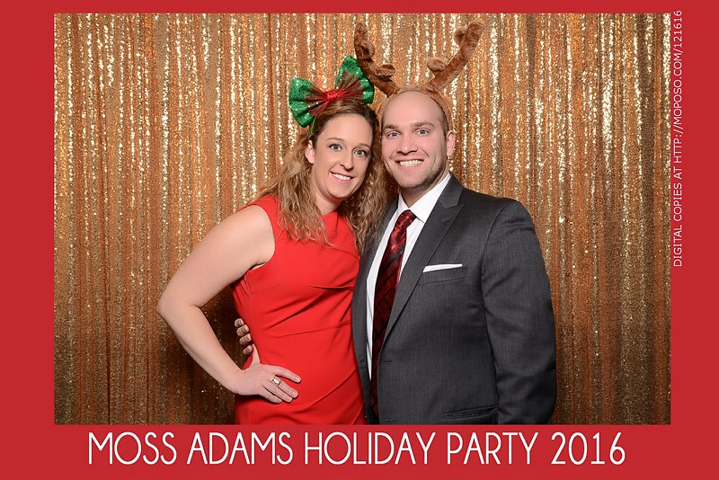 20161216_MOPOSO_Tacoma_Photobooth_MossAdamsHoliday16-63.jpg