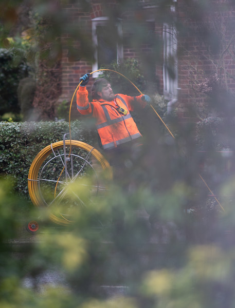 Openreach Engineer 'Caught' Laying Cable in Ivy Way (Fri 19 Feb 2021)