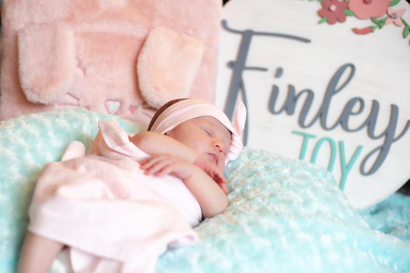 ALoraePhotography_BabyFinley_20200120_055.jpg