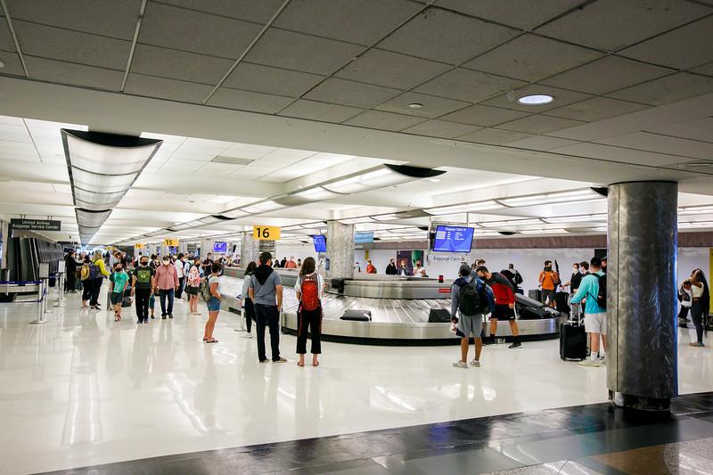 082020-baggage_claim-146.jpg