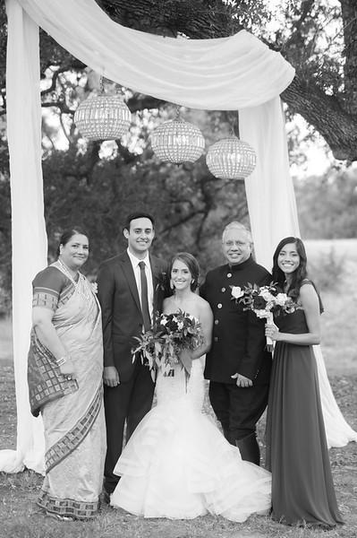 Alexa + Ro Family Portraits-55.jpg