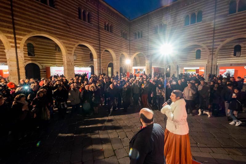 Verona_Italy_VDay_160213_15.jpg