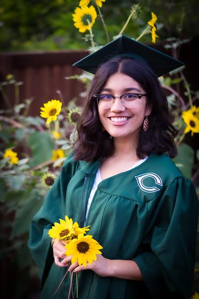 20200521_sarah-friends-connally-graduation_083.jpg
