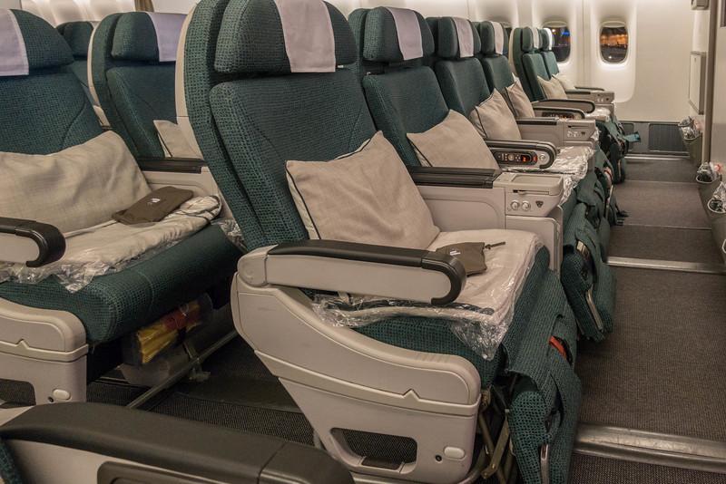 cathay-pacific-premium-economy-8.jpg
