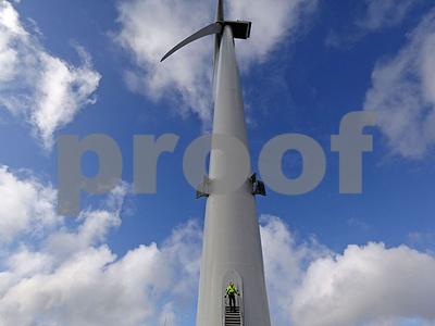 worlds-biggest-wind-turbines-now-make-a-jumbo-jet-look-small