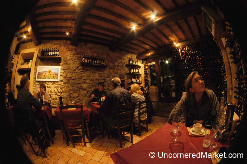 Cosy Eating in Montefollonico - Tuscany, Italy