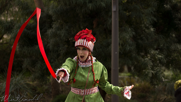 Disneyland Resort, Disney California Adventure, Christmas, Elf, Elves, Stilt, Walker, Juggler