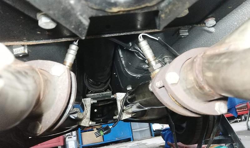 Lambda sensors fitted
