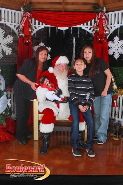 Santa 12-10-16-278.jpg
