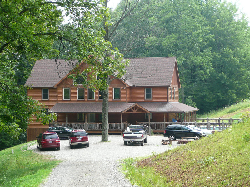 Front View of Buffalo Creek Lodge.