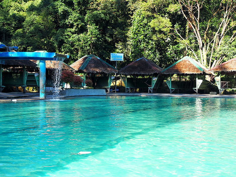 Lake-Agco-Resort-pools.jpg