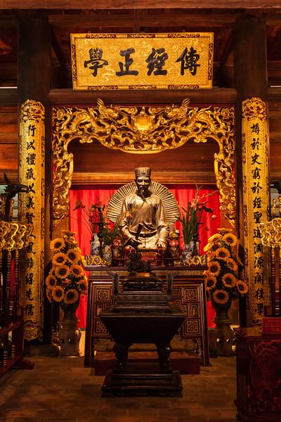 Confucius statue at the Temple of Literature, Hanoi