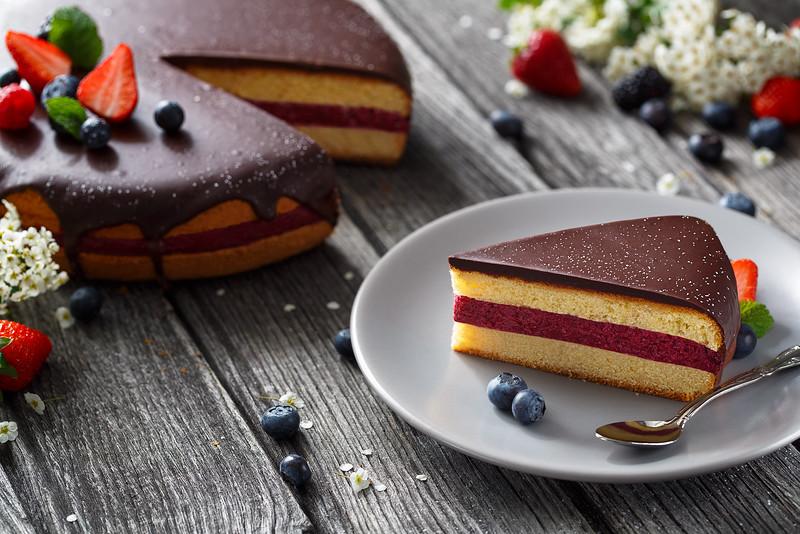 victoria sponge cake 2.jpg