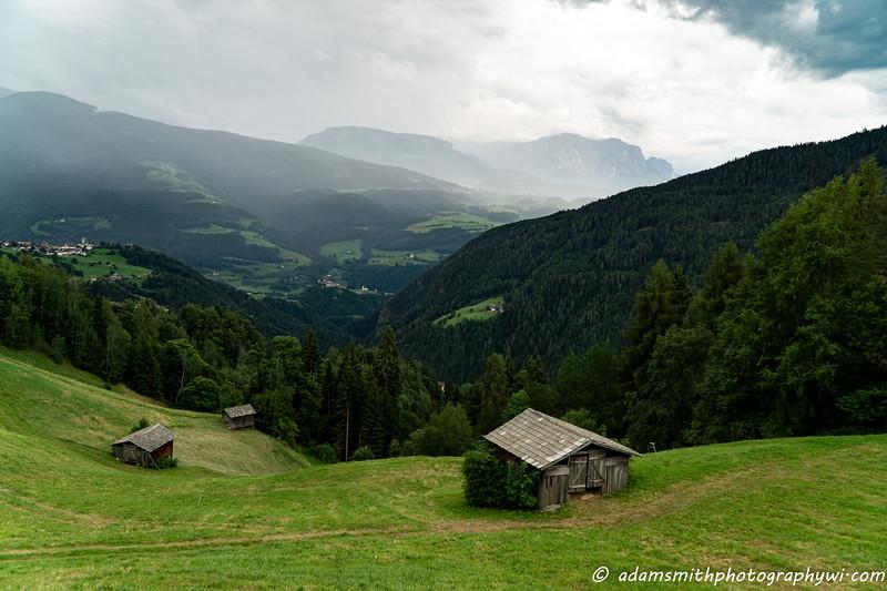 Dolomites-italy-lazfons-1.jpg