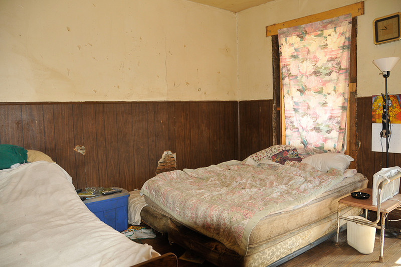 10 09-08  Old mattresses need replacing.  mlj