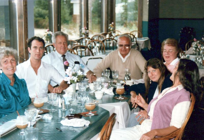 1981 Viv, Kris, Cathy Dad, Doc, Cathy Mom, Cathy and .jpeg